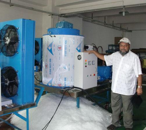 Water Cooling Flake Ice Machine Bigger Size Scale With One Year And Half Warranty