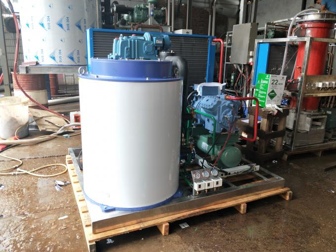 5T Per Day Seawater Flake Ice Machine , Air Cooling Flake Ice Making Machine